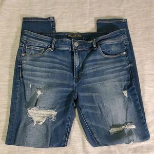 Abercrombie Signature Distressed Skinny Jeans 31